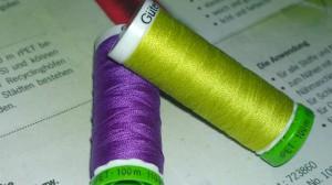 Recycel-Fäden voilett und hell-grün